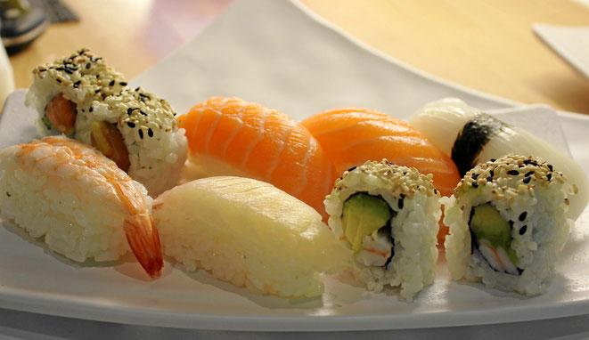 Maki, Lachs und Fisch-Spezialitäten