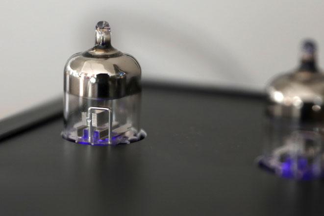 EGA Evergreen Audio Röhren Kopfhörerverstäreker Amp und Netzteil Rückseite WBT Nextgen Schwarz