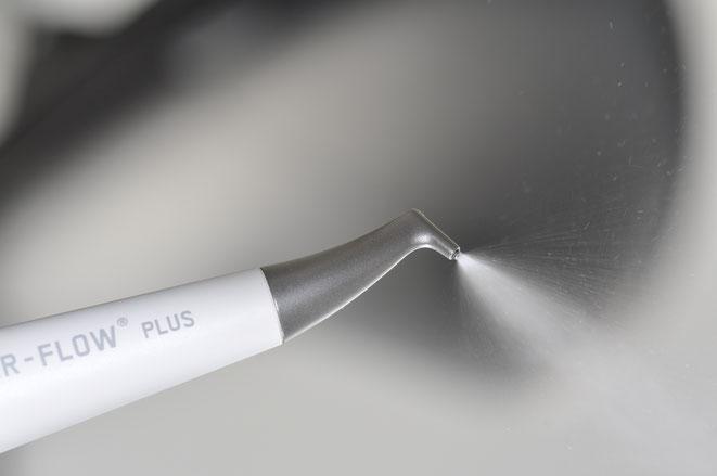 Professionelle Zahnreinigung: alle erreichbaren Beläge werden entfernt