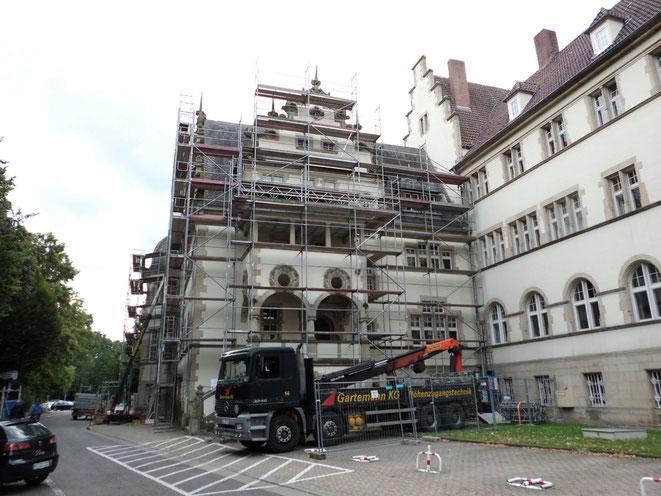 Minden, Deutsche Bahn. Einrüstung für Dacharbeiten.