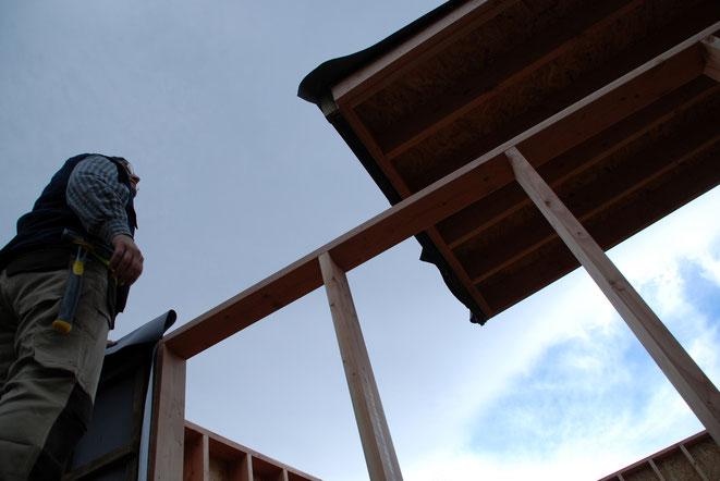 Montaje Cabaña Bosquescuela. Instalación de la cubierta.