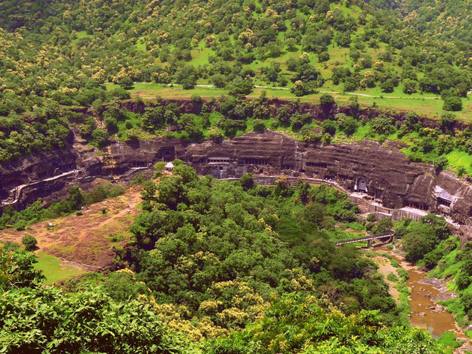 http://www.ajantacaves.org/portfolio/cave-15-street-view/