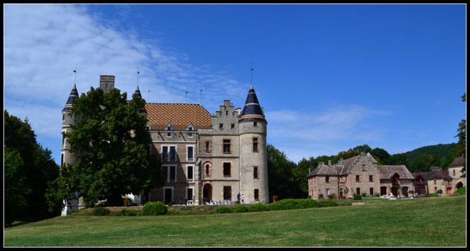 Château de Pupetières, à 20 km de la Villa Aosta