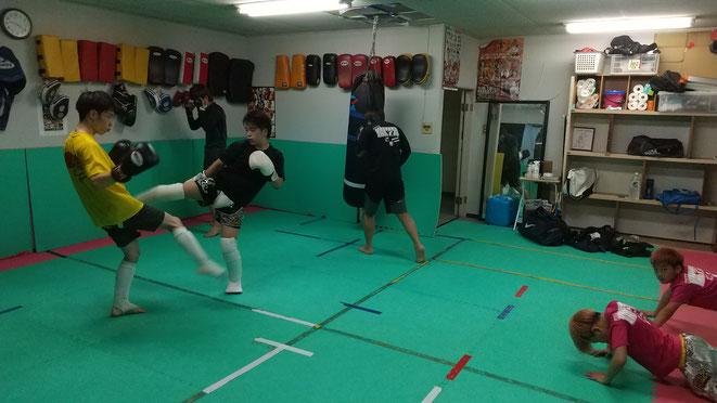 プロ志望の方はteamYAMATO大和高田本部へ。丁寧に空手、キックボクシング教えます。
