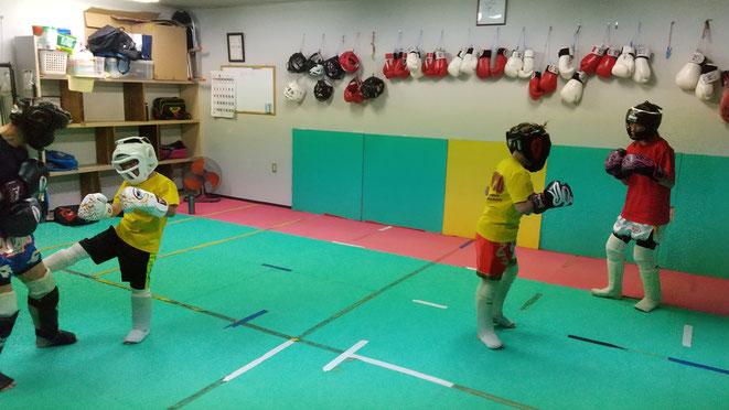 空手teamYAMATO大和高田本部、奈良県のグローブ空手、キックボクシングのジムです。