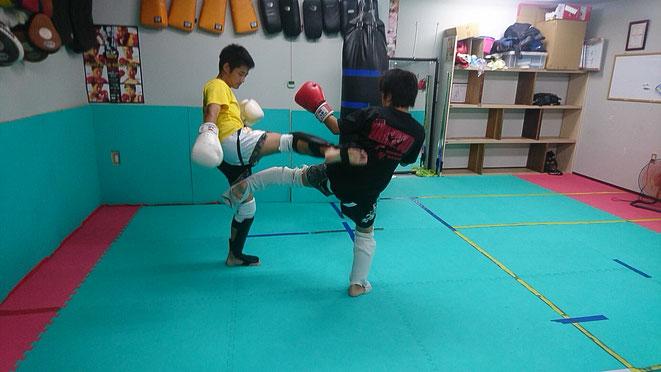 奈良県のキックボクシングの老舗。teamYAMATO大和高田本部。