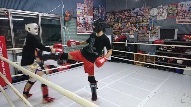 天翔キックボクシング頑張る。