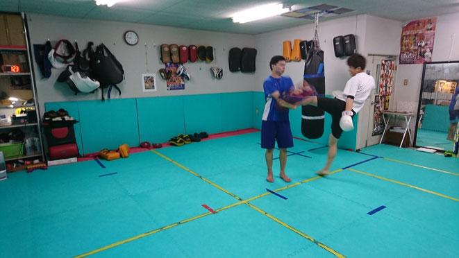 キックボクシングteamYAMATO 奈良県大和高田市のグローブ空手、キックボクシングのジムです