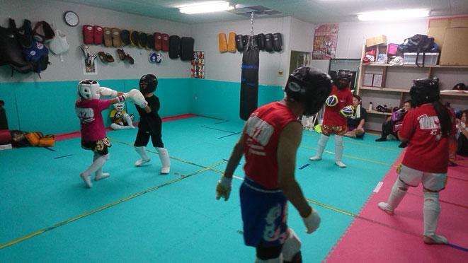 奈良市、橿原市、御所市、五條市、葛城市、橋本市、大和高田市からキックボクシングの練習に来ています。