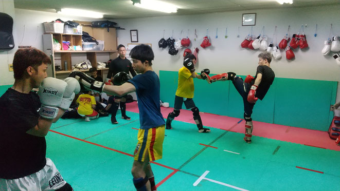 teamYAMATO大和高田本部のキックボクシング練習。葛城市、橿原市、御所市近隣。