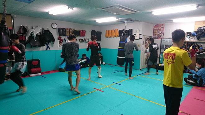 teamYAMATOでは、充実したキックボクシングの練習ができます。