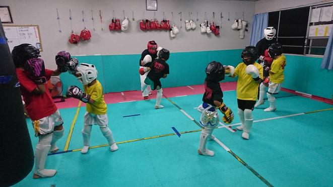 キックボクシングteamYAMATO大和高田本部 試合に向けてスパーリング練習