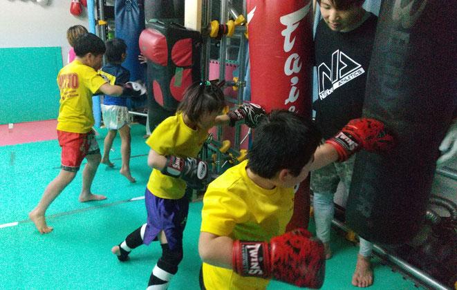 キックボクシング、グローブ空手teamYAMATO大和高田本部ジュニアのラストのラッシュ