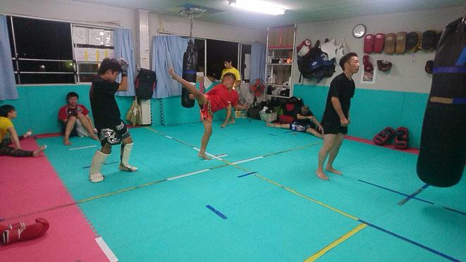 キックボクシングteamYAMATO大和高田本部。グローブ空手、キックボクシングのジムです。