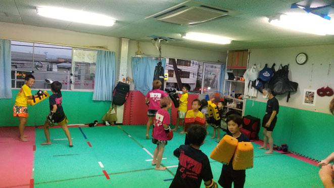 奈良県大和高田市、香芝市、葛城市、御所市、橿原市、桜井市から練習参加してます。