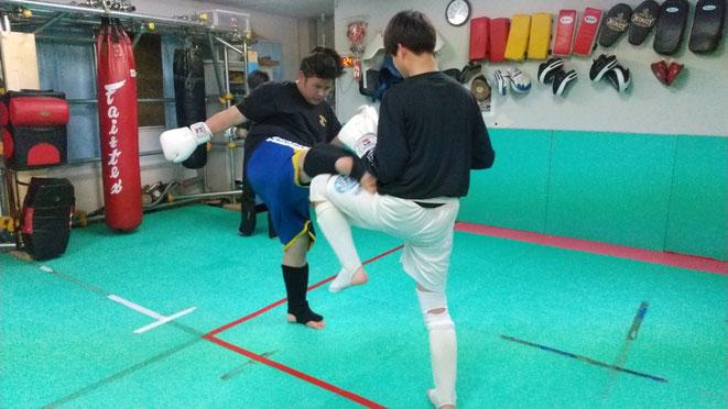 teamYAMATO大和高田本部のキックボクシングはダイエット、痩身にピッタリ。