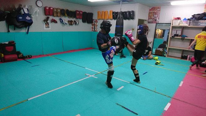 奈良県で開催の大和キック&ボクシング大会に向かってスパーリング。