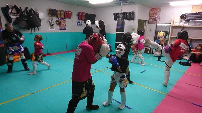 小学生、中学生、キックボクシングのteamYAMATO