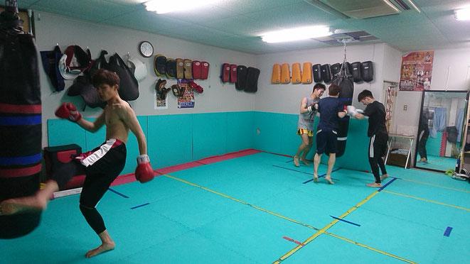 奈良でキックボクシングの練習をするならteamYAMATO大和高田本部で。