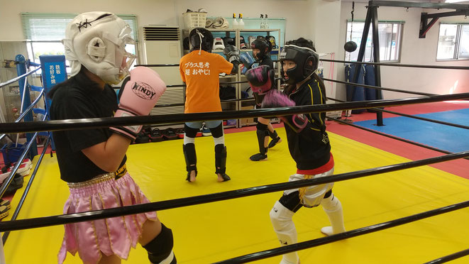 女子キックボクシング。ツヨカワ女子。teamYAMATO大和高田本部