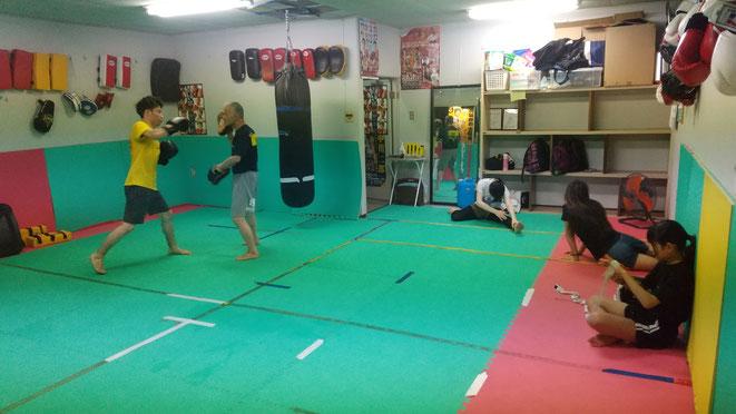 奈良県のteamYAMATO大和高田本部は女性会員も多数在籍。キックボクシングを楽しんでます。