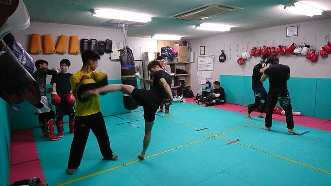 キックボクシング、空手、ボクシング、柔道、少林寺拳法、日本拳法、経験者募集。