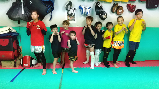 今日もキックボクシング頑張りました。キックボクシングの試合出場する選手。