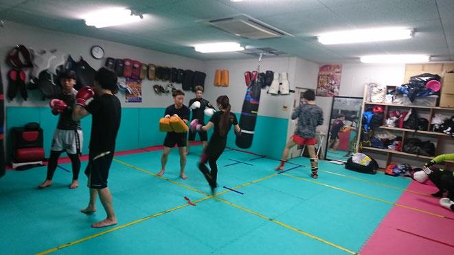 キックボクシングteamYAMATOの練習風景