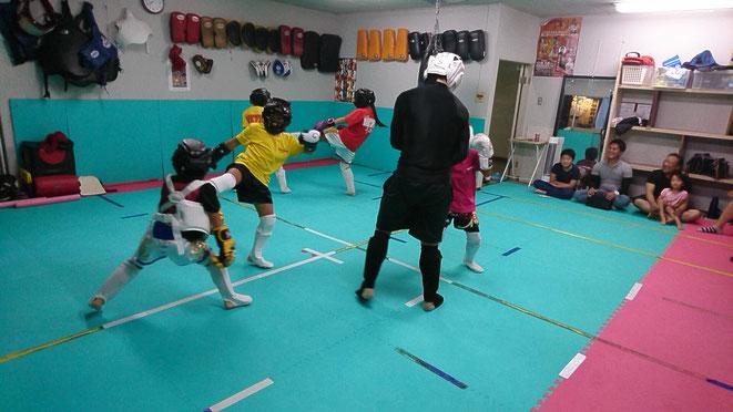 teamYAMATO大和高田本部のキックボクシング練習。大人、小学生誰でも練習できます。