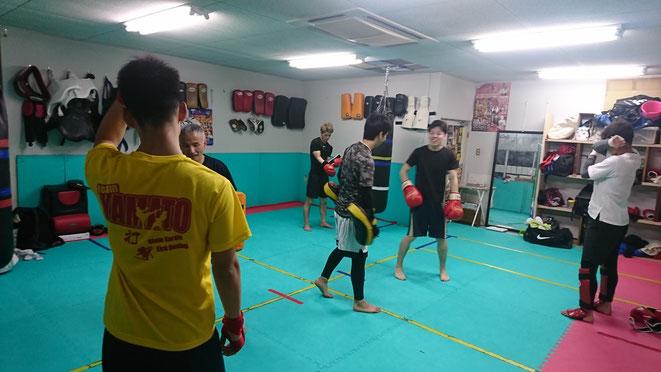 キックボクシングはダイエットに有効です。teamYAMATOで汗を流しましょう。