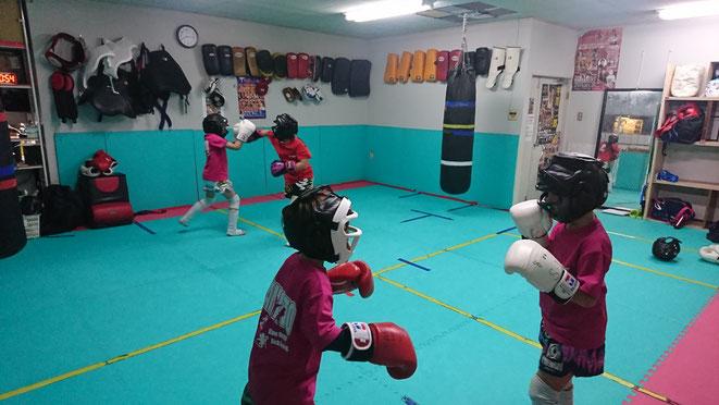 ジュニアキックボクシング、グローブ空手、K-1アマチュア公認ジム