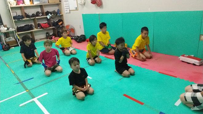 小学生からキックボクシング始めれます。奈良県でキックボクシングするならteamYAMATO大和高田本部。