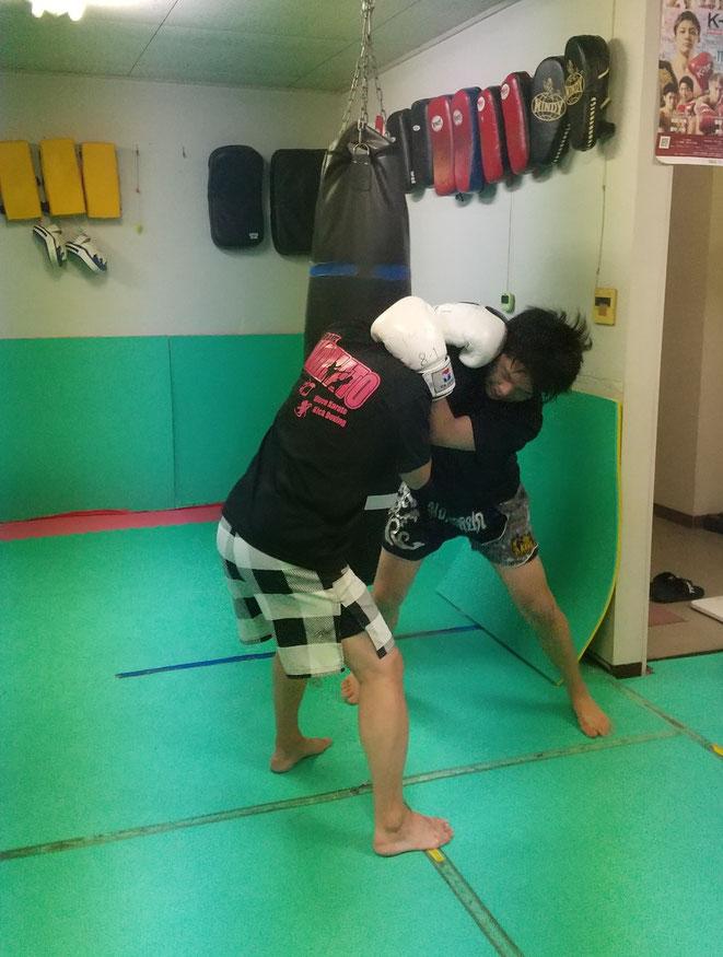格闘技、キックボクシング、空手、柔道、ボクシング他様々な経験者が在籍してます。