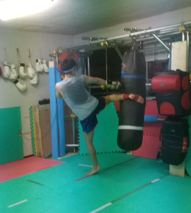 K-1アマチュア カレッジ優勝 キックボクシングチャンピオン 奈良県橿原市出身