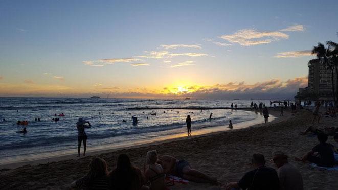 freaky travel präsentiert: Die Top 5 Tipp für deinen unvergesslichen Urlaub auf Hawaii in Amerika. Bestaune und genieße die atemberaubende Natur an den Stränden Hawaiis
