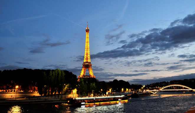 freaky travel, freaky finance, Paris, blaue Stunde, Seine