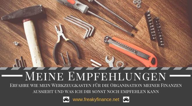 freaky finance, Empfehlungsseite, Meine Empfehlungen, Titelbild, Werkzeuge, Hammer, Zange, Schraubendreher, Messer, Innensechskantschlüssel, meine Banken, meine Depots, meine Broker, meine Versicherungen