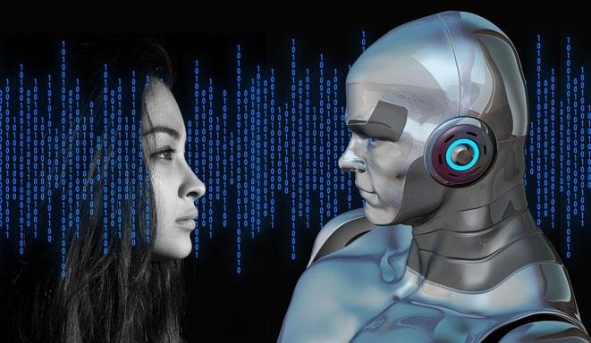 freaky finance, digitaler Wandel, Kopf einer Frau, Roboter