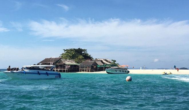 freaky finance, freaky travel, Phuket, Meer, Strabd, Motorboote, Hütten, Khai Nai Island