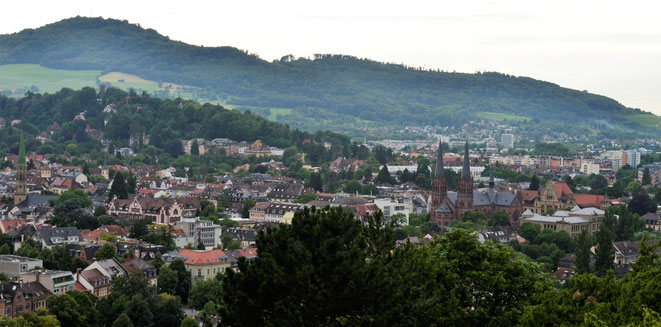 freaky travel, freaky finance, Freiburg im Breisgau, Blick vom Hügel auf die Stadt