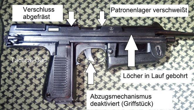 Polnische PM63 Deko Maschinenpistole mit Zulassungszeichen vom Beschussamt. Alle wesentlichen Teile sind zerstört.