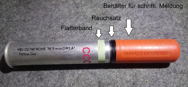Die Meldepatrone ist eine waffentechnische Kuriosität. Sie wurde z.B. dafür verwendet schriftliche Meldungen aus Flugzeugen raus, auf den Boden zu schießen.