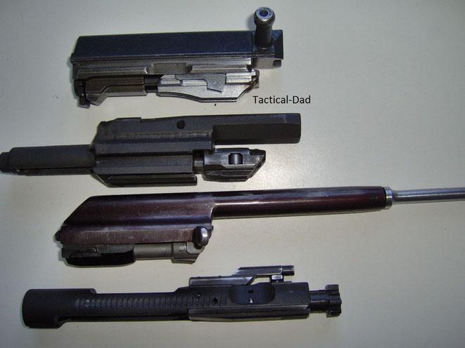 Von oben nach Unten: VZ58 Kippblockverschluss (deko), Cetme-L Rollenverschluss (deko), Typ-56 Drehkopfverschluss (deko), AR-15 Drehkopfverschluss (scharf)