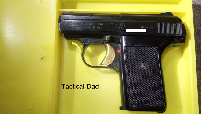 Die Reck P10 Startpistolen in 8mm wurden in gelben Plastikboxen ausgeliefert.