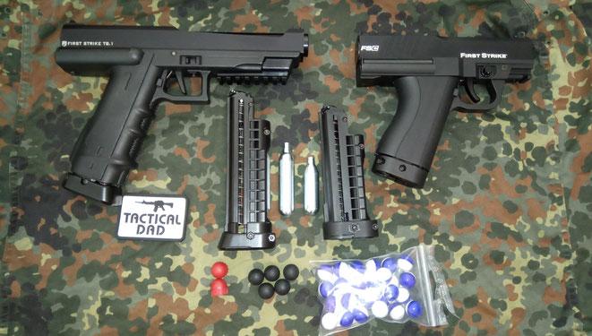 Größenvergleich der alten Tiberius T8.1 und der neuen First Strike FSC Paintballpistolen.