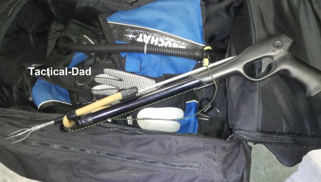 Harpunen wäre prinzipiell den Armbrüsten usw. gleichgestellt, sind aber tatsächlich vom Waffenrecht ausgenommen.