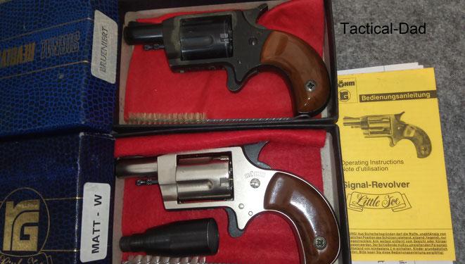 Oben ist der Röhm Little Joe im Kaliber .22 lang mit der PTB Nummer 380. Unten ist die erste Generation davon in 6mm Flobert mit der PTB Nummer349.