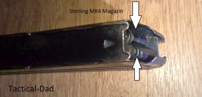 Die Sterling MP ist zuverlässiger als die UZI und MP5. Das wurde z.B. durch die Rollen am Magazinzubringer erreicht, die horizontale Positionierung davon  und durch Rillen am Verschluss, die ein Gleiten trotz Verschmutzung ermöglichen.