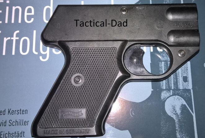 Die Walther SP besitzt nicht nur das PTB Zeichen 11-72 (1972), die Waffe hat auch die Zulassung erteilt bekommen und ist auf der Zulassungsliste erfasst.