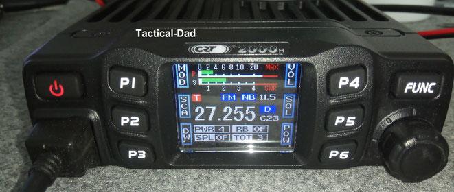 Für das CRT2000H CB-Funkgerät habe ich mich nach langer Überlegung entschieden. Das Display zeigte z.B. das Stehwellenverhältnis, die Sendeleistung, die Spannung der Stromquelle (11,5v) und vieles mehr.
